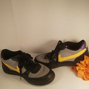 Vintage Woman's 7.5 Nike Swoosh